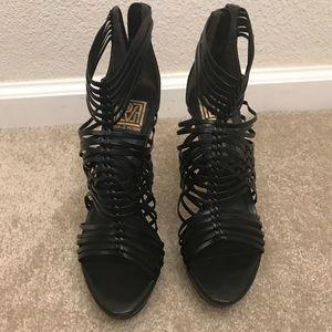 Pour La Victoire Black cage platform heels sz9